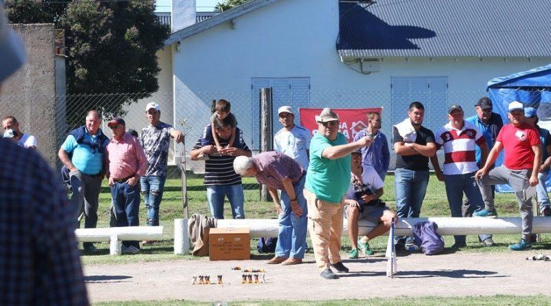 """Torneo de Kösser en el marco del primer patio cervecero """"Biergarden"""""""