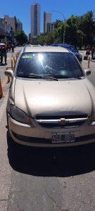 Auto chocó contra moto de pedidos ya en el centro de Bahía Blanca