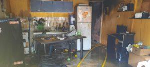 Fuego en el interior de una casa bahiense