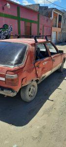 El auto luego del impacto de moto en Pacífico
