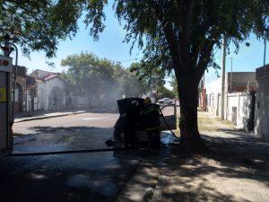 Fuego en auto Chile al 600