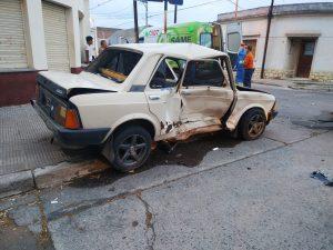 Fiat chocado de costado
