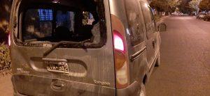 Camioneta chocada de atras por una moto en Ángel Brunel