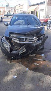 Automóvil chocado en Bahía Blanca