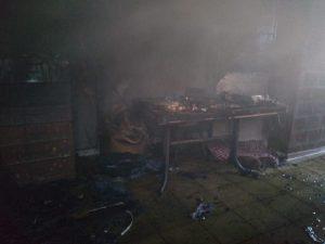 Fuego en el interior de una vivienda en Santa Fe al 2800