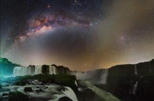 Noche en las Cataratas del Iguazú